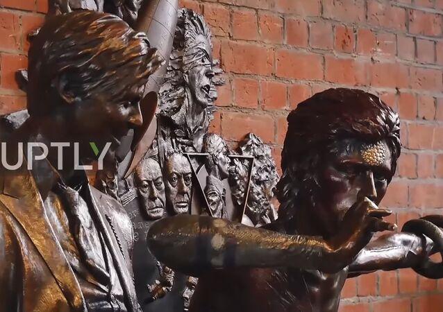 Dünyanın ilk David Bowie heykeli 'Earthly Messenger' (VIDEO)
