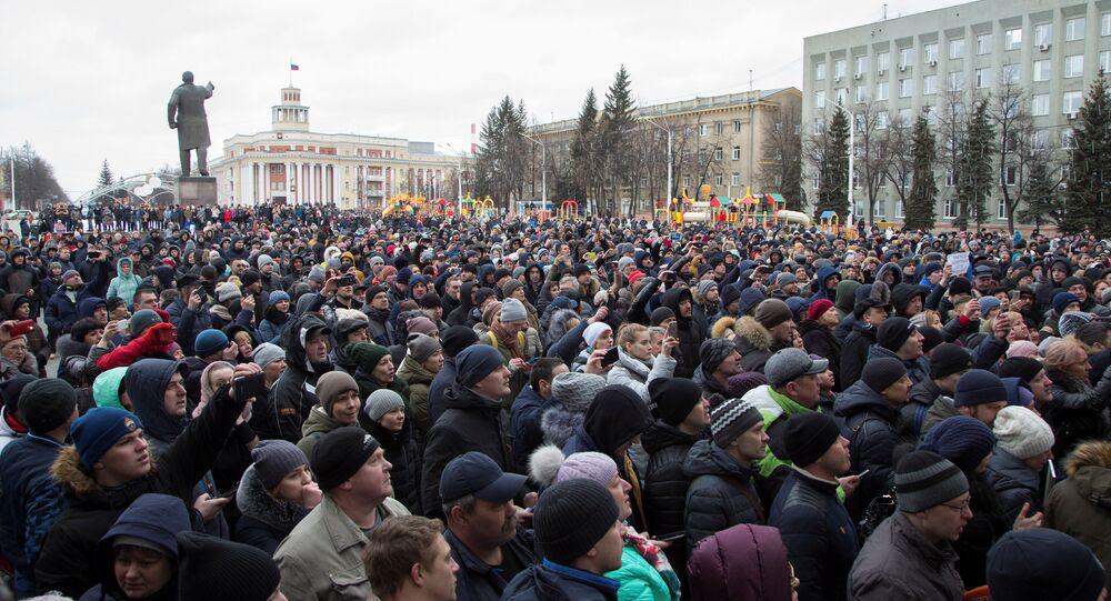 Kemerovo sakinleri, adalet için sokağa çıktı