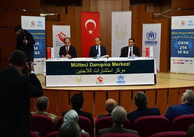 Suriyeliler için danışma merkezi açıldı
