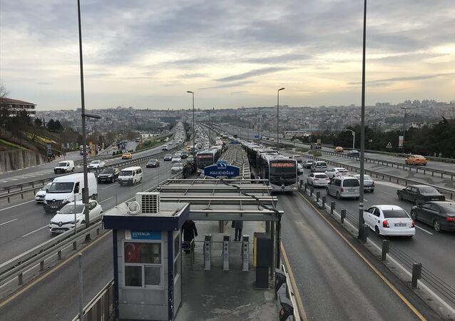 İstanbul metrobüs trafik