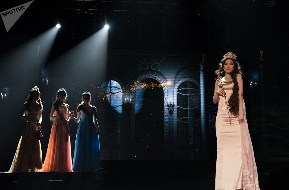 Miss Kazakistan 2018 yarışmasından kareler