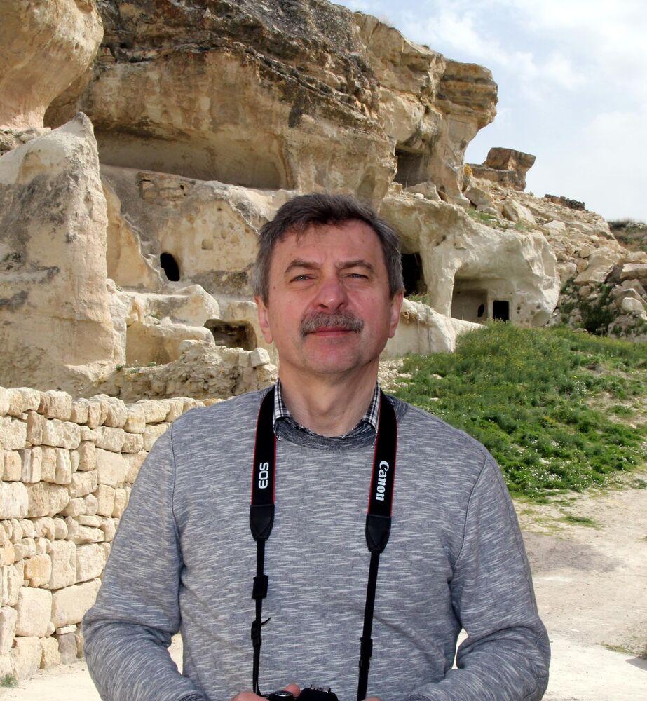 Kapadokya bölgesinin etkileyici olduğunu vurgulayan Lazutkin, Sanki bir başka gezegene gelmiş gibiyim. Uzaydan Kapadokya'ya baktım. Burayı gezmeye doyamadım. En kısa sürede bir kez daha gelmek isterim diye konuştu