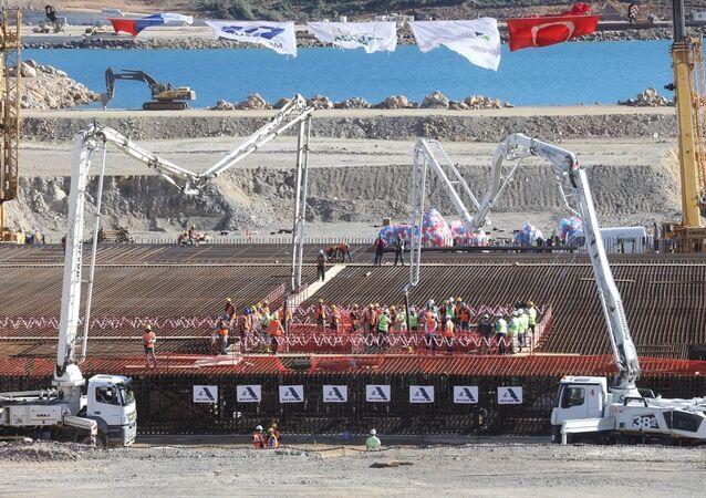 Akkuyu Nükleer Güç Santrali'nin temeli, Cumhurbaşkanı Erdoğan ve Rusya Devlet Başkanı Putin'in katıldığı törenle atıldı.