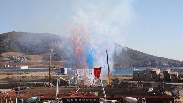 Akkuyu Nükleer Güç Santrali'nin temeli, Cumhurbaşkanı Erdoğan ve Rusya Devlet Başkanı Putin'in katıldığı törenle atıldı. - Sputnik Türkiye