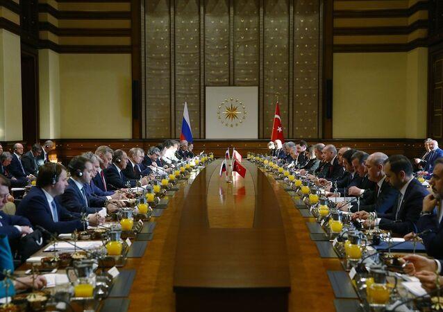 Cumhurbaşkanı Recep Tayyip Erdoğan ve Rusya Devlet Başkanı Vladimir Putin, Cumhurbaşkanlığı Külliyesi'nde bir araya geldi.