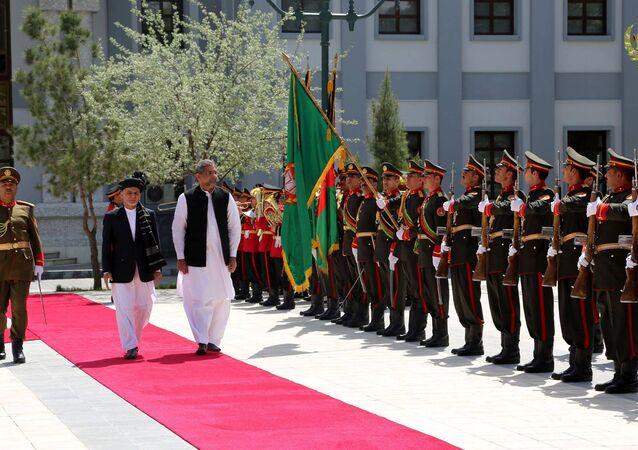 Pakistan Başbakanı Şahid Hakan Abbasi ve Afganistan Cumhurbaşkanı Eşref Gani