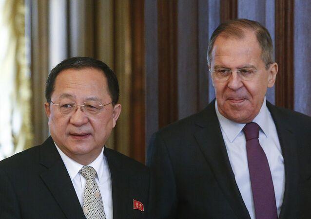 Rusya Dışişleri Bakanı Sergey Lavrov, Kuzey Koreli mevkidaşı Ri Yong-ho