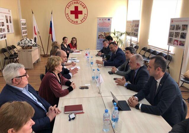 Kızılay Başkanı Kerem Kınık, beraberindeki Kızılay Genel Başkan Yardımcısı Naci Yorulmaz ve Genel Müdür Yardımcısı Alper Küçük ile 9-10 Nisan tarihleri arasında Moskova'da üst düzey temaslarda bulundu.