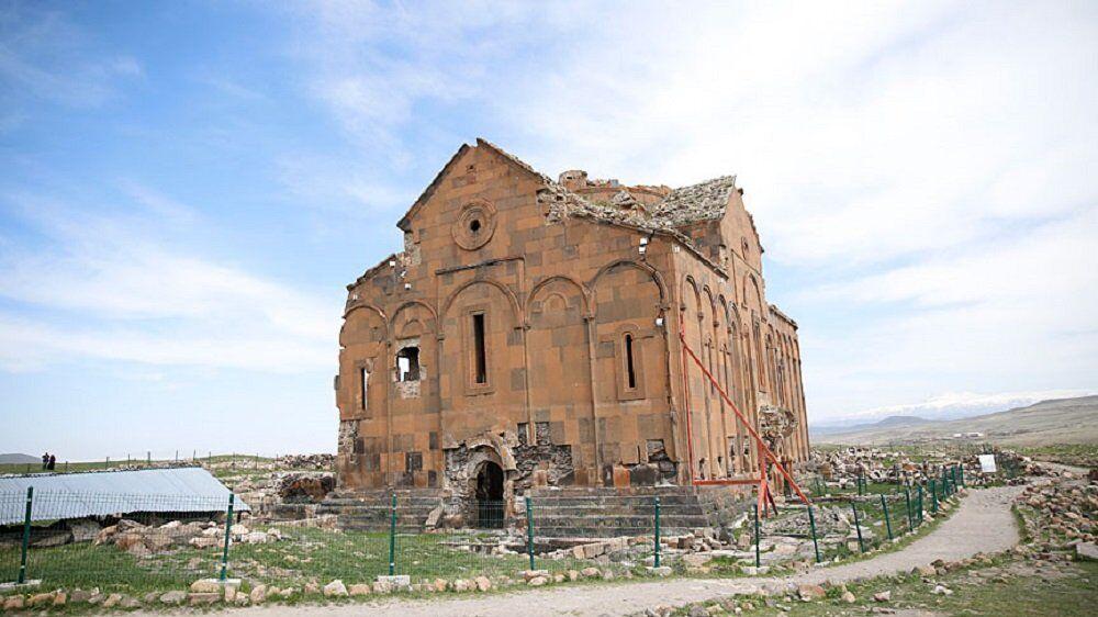 Ani'deki 'Büyük Katedral' restore edilecek