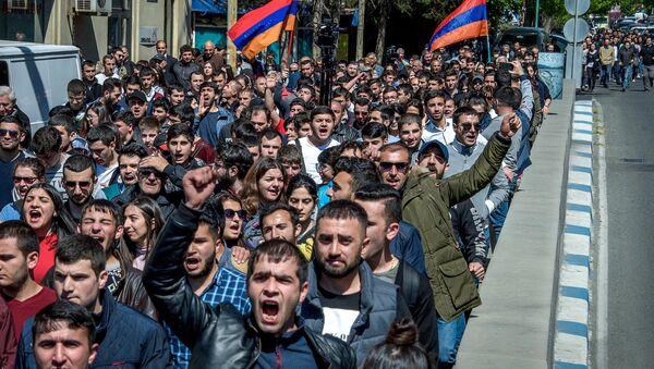 Ermenistan'da Sarkisyan karşıtı eylem - Sputnik Türkiye