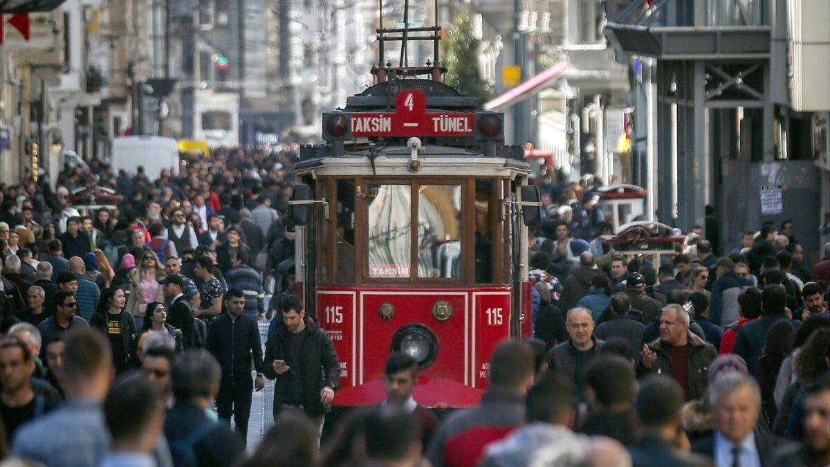Turistlere yüksek hesap tuzağına 32 gözaltı: '2 kadeh içki 1500 ...