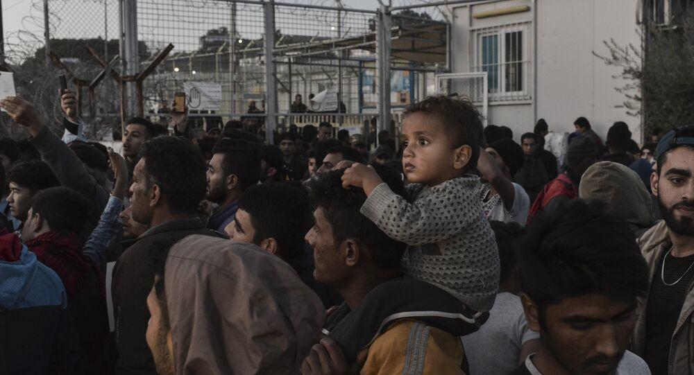 Midilli'deki Moria gözaltı merkezinde eylem yapan sığınmacılar