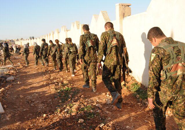 Menbiç Askeri Meclisi Genel Komutanı Ebu Adıl, kentin IŞİD'in elinden alınmasından sonra YPG ve DSG'nin resmi bir şekilde Fırat'ın doğusuna geri çekildiklerini savundu.