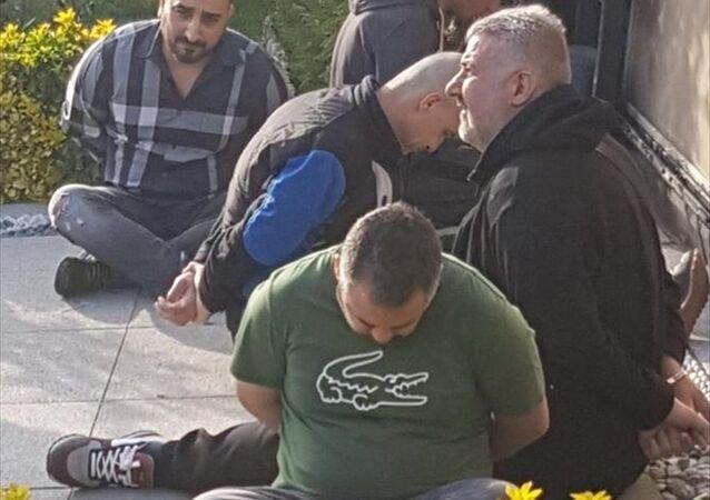 İran uyruklu Naci Şerifi Zindaşti ile iki polisin de aralarında bulunduğu 6 şüpheli tutuklandı.