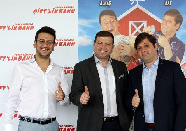 Çekimleri temmuz ayında başlayacak Çift'lik Bank Tosun Firarda filminin tanıtım toplantısı
