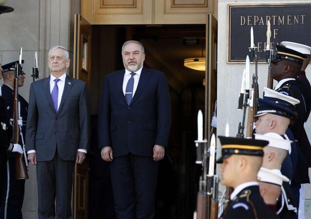 ABD Savunma Bakanı Jim Mattis ve İsrail Savunma Bakanı Avigdor Liberman