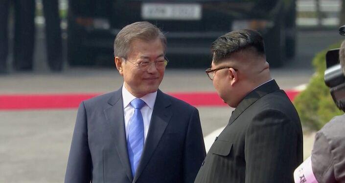 Beyaz Saray'dan yapılan açıklamada, zirvenin barışa yönelik ilerleme kaydetmesinden umutlu olunduğu belirtildi.