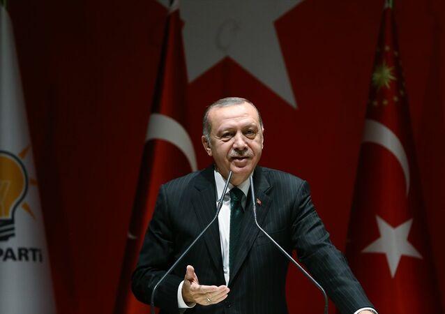 Cumhurbaşkanı ve AK Parti Genel Başkanı Recep Tayyip Erdoğan, partisinin genel merkezinde AK Parti Genişletilmiş İl Başkanları Toplantısı'na katıldı.
