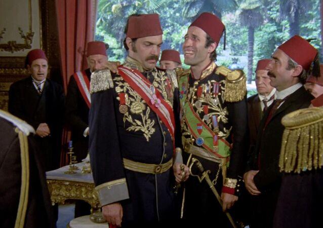 Kartal Tibet'in yönettiği, Kemal Sunal, Şener Şen, Adile Naşit, Müjde Ar ve Ayşen Gruda'nın rol aldığı 1976 yapımı Tosun Paşa Türk sinemasının unutulmaz filmleri arasında yer alıyor.