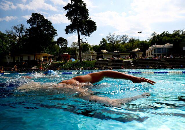Viyana, Schönbrunner Bad, yüzme havuzu