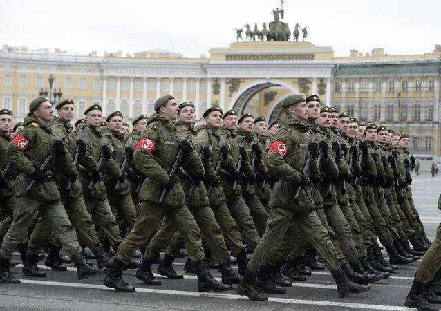 Rus askeri okul öğrencileri
