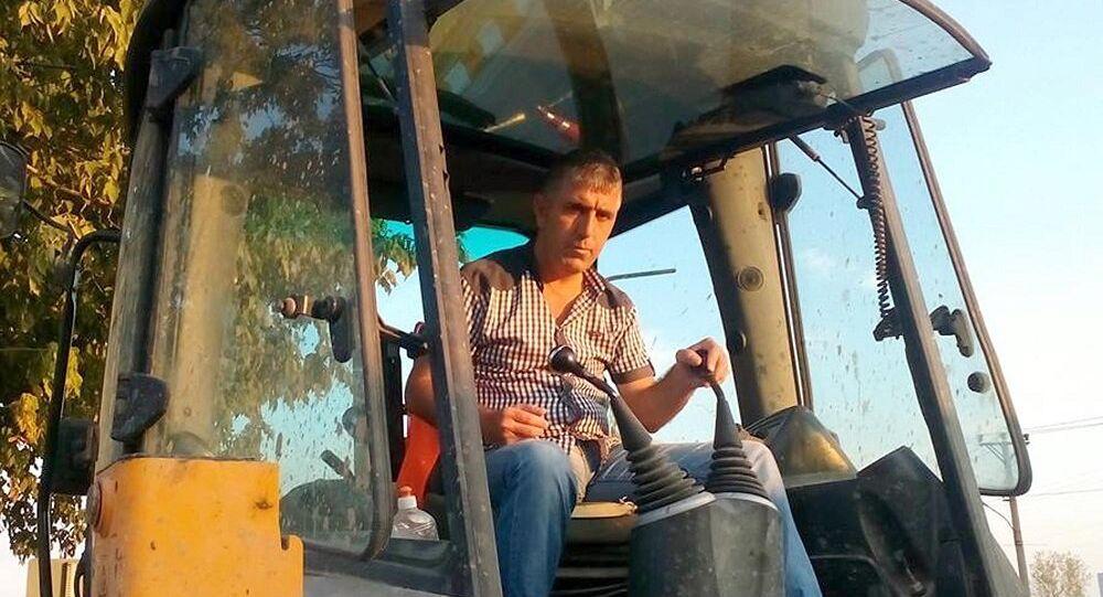 Yunanistan sınırına geçen Edirne Belediyesi kepçe operatörü Musa Alerik