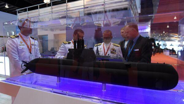 IMDEX fuarında Alman ThyssenKrupp şirketi tarafından üretilen 218SG tipi denizaltının modeli - Sputnik Türkiye