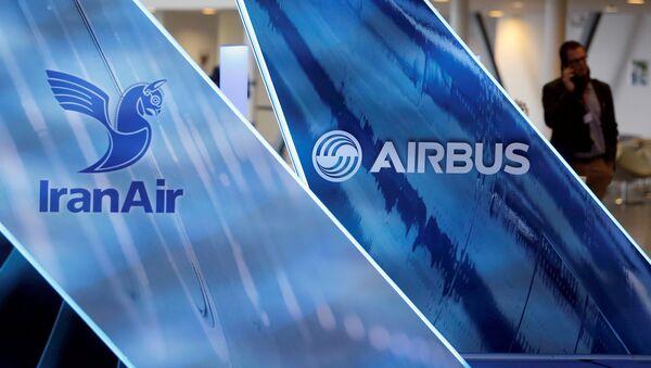 IranAir, yaptırımların kalkmasının ardından ilk Batı yapımı jetini (Airbus A321) 11 Ocak 2017'de Airbus'tan teslim almıştı. - Sputnik Türkiye