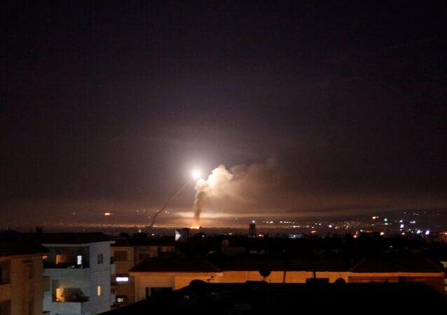 Şam semalarında görülen füze saldırısı