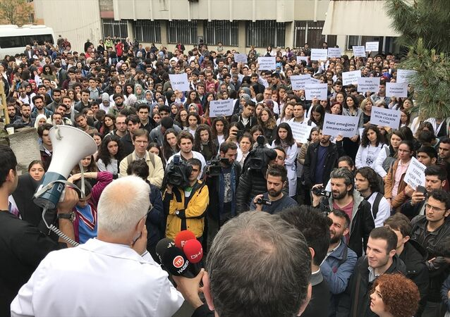 Cerrahpaşa Tıp Fakültesi bölünme protestosu