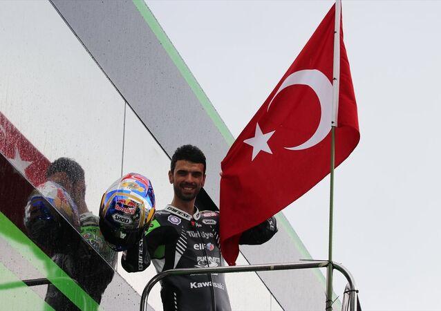 Kenan Sofuoğlu, aktif sporculuk kariyerini sonlandırdı.