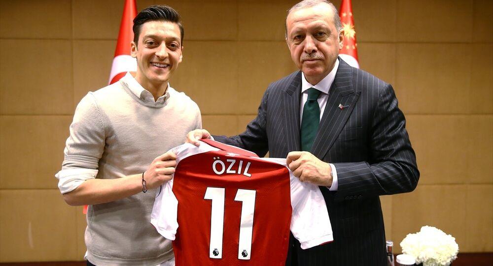 Cumhurbaşkanı Recep Tayyip Erdoğan, Mesut Özil