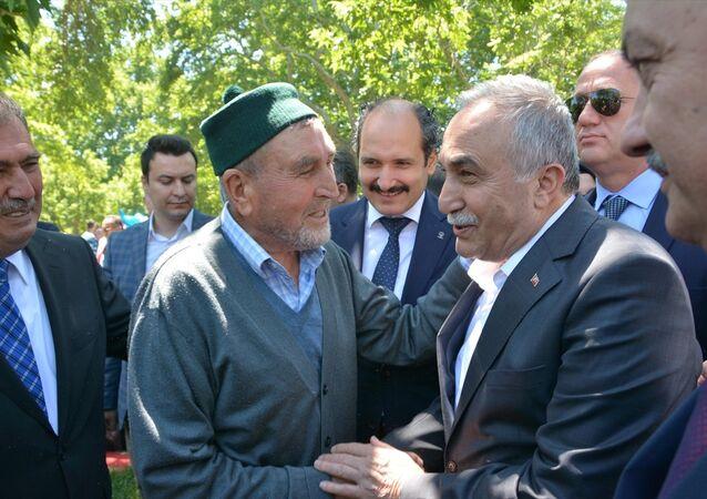 Gıda, Tarım ve Hayvancılık Bakanı Ahmet Eşref Fakıbaba,