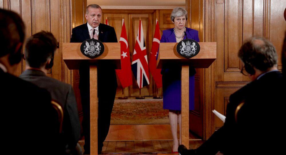 Cumhurbaşkanı Erdoğan-İngiltere Başbakanı May