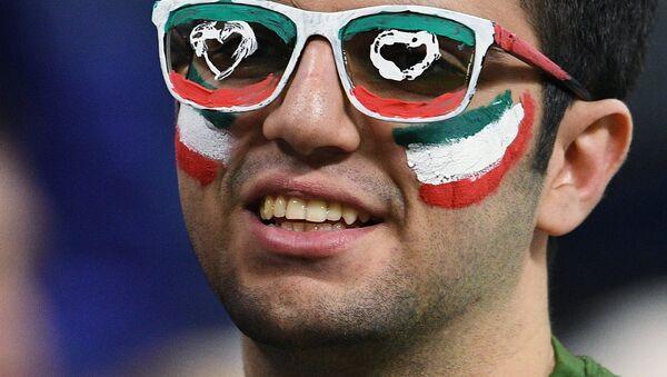An Iranian football fan during a friendly match between Russia and Iran - Sputnik Türkiye