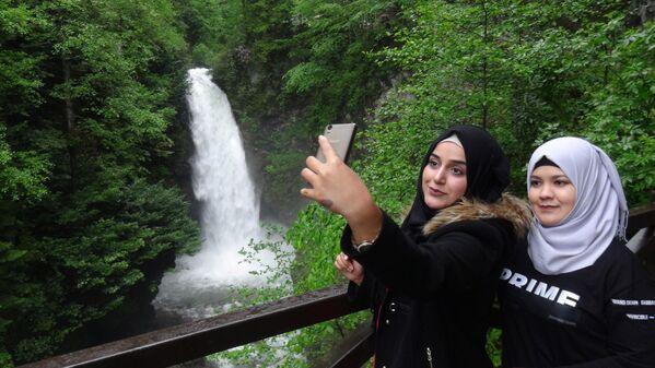 Araplar, Rize'deki cenneti keşfetti - Sputnik Türkiye