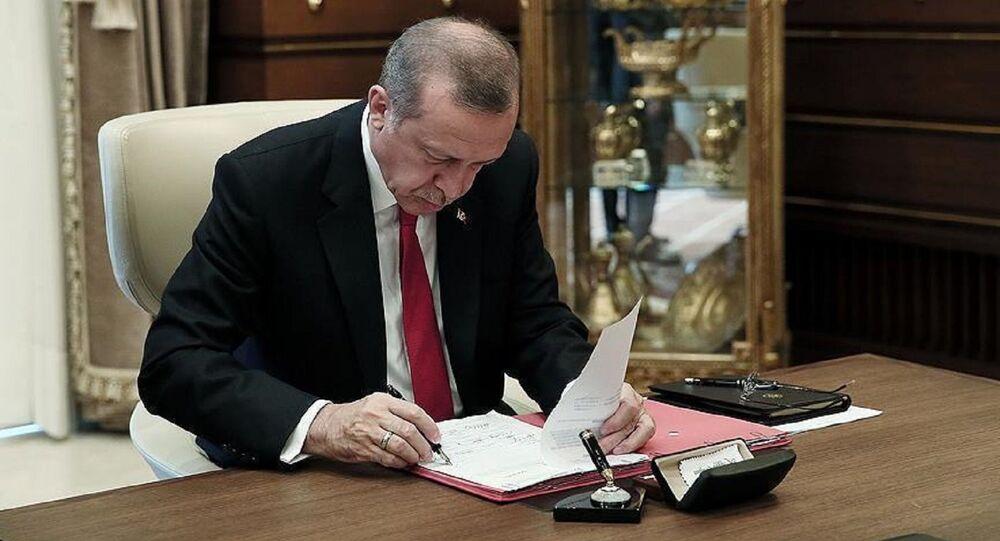 Erdoğan, imza
