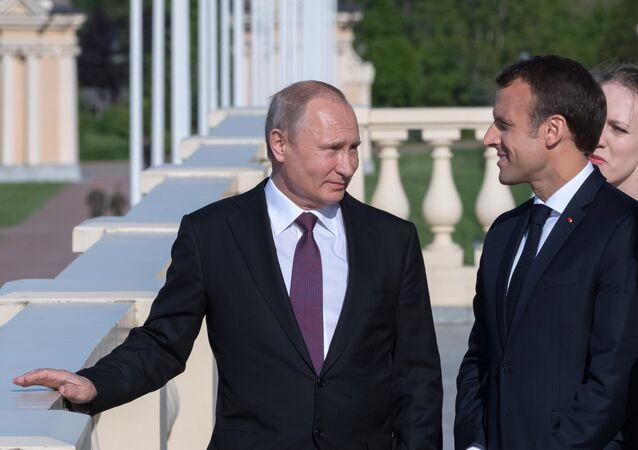 Vladimir Putin and Emmanuel Macron