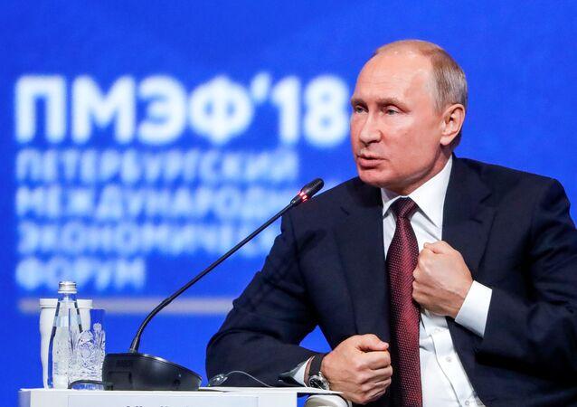Vladimir Putin, St. Petersburg Uluslararası Ekonomik Forumu (SPIEF)