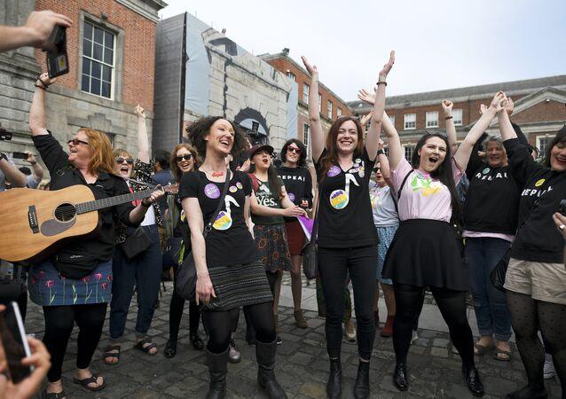 İrlanda'da referandum sonuçları açıklandı: Kürtajı yasaklayan düzenleme kaldırılacak