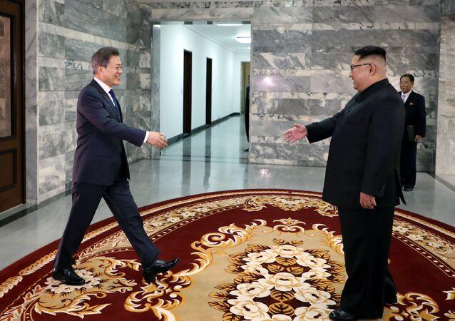 Güney Kore Devlet Başkanı Moon Jae-in- Kuzey Kore lideri Kim Jong-un
