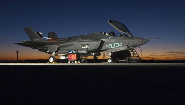 Истребитель F-35 на авиабазе в СШA - Sputnik Türkiye