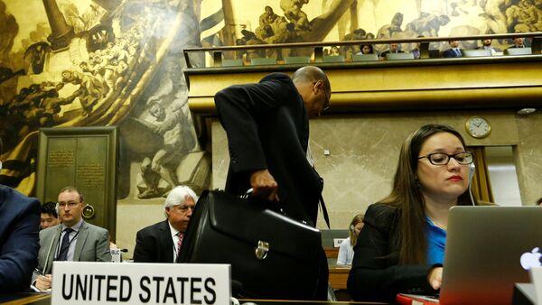 Birleşmiş Milletler (BM) Cenevre Ofisi'nde devam eden Silahsızlanma Konferansı'nı terk eden ABD Temsilcisi Robert Wood - Sputnik Türkiye
