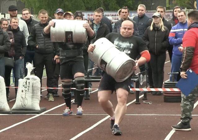 Rusya'daki Ağır Kaldırma Şampiyonası'ndan etkileyici görüntüler