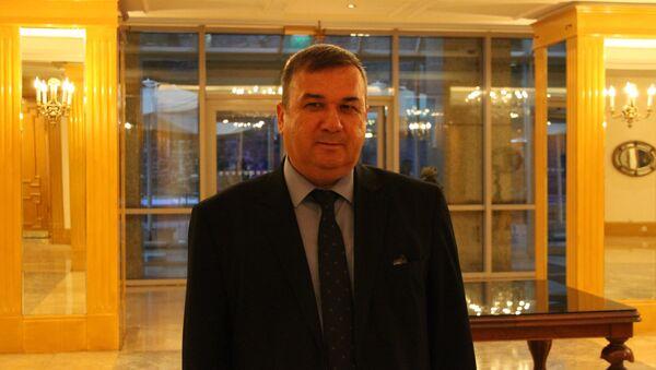Kırım Tatar Dernekleri Federasyonu Genel Başkanı Ünver Sel, Rusya Federasyonu İstanbul Başkonsolosluğu'nun ev sahipliğinde gerçekleşen Rusya Milli Günü resepsiyonunda Sputnik'in sorularını yanıtladı. - Sputnik Türkiye