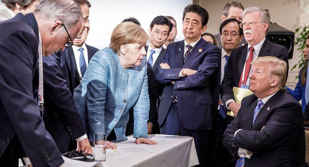 Merkel ve Trump'ın G7 zirvesindeki fotoğrafı sosyal ağları salladı