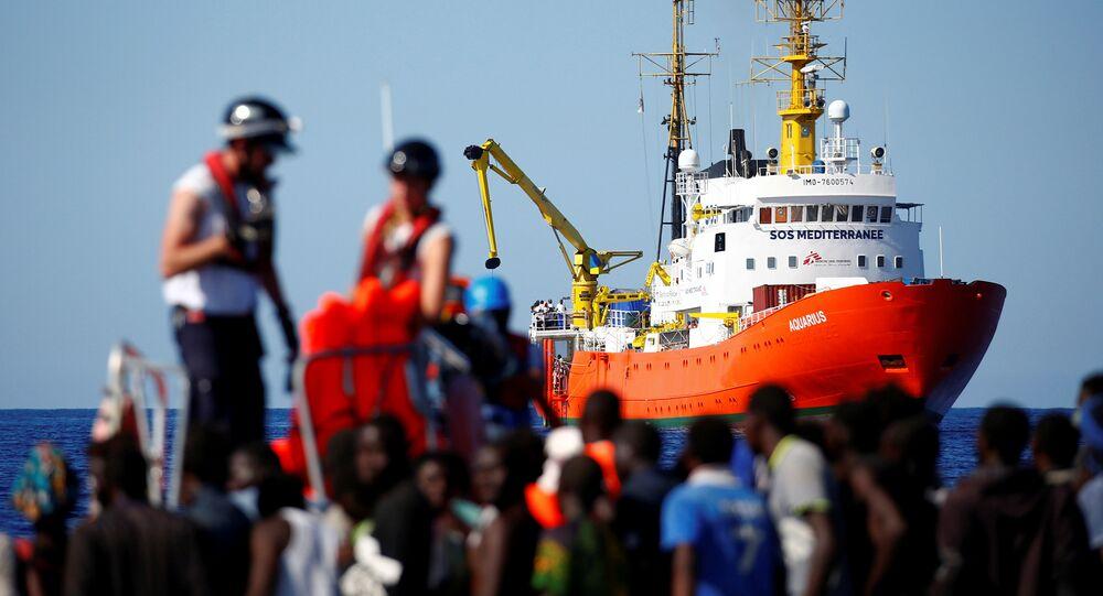 İtalya ve Malta arasındaki sularda mahsur kalan Afrikalı göçmenler