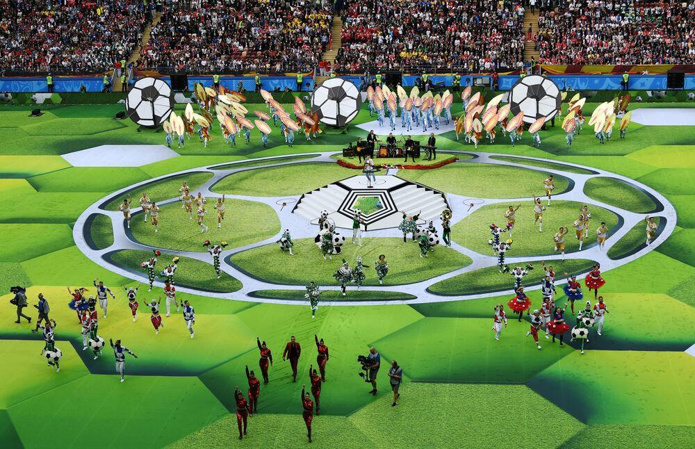 Rusya'nın ev sahipliğindeki 2018 Dünya Kupası'nın açılış töreninden kareler