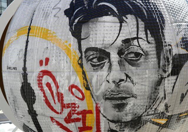 Moskova'da Alman milli Mesut Özil sanat eserlerine konu oldu.