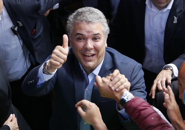 Demokratik Merkez Parti adayı Ivan Duque Kolombiya Devlet Başkanlığı seçimini kazandı